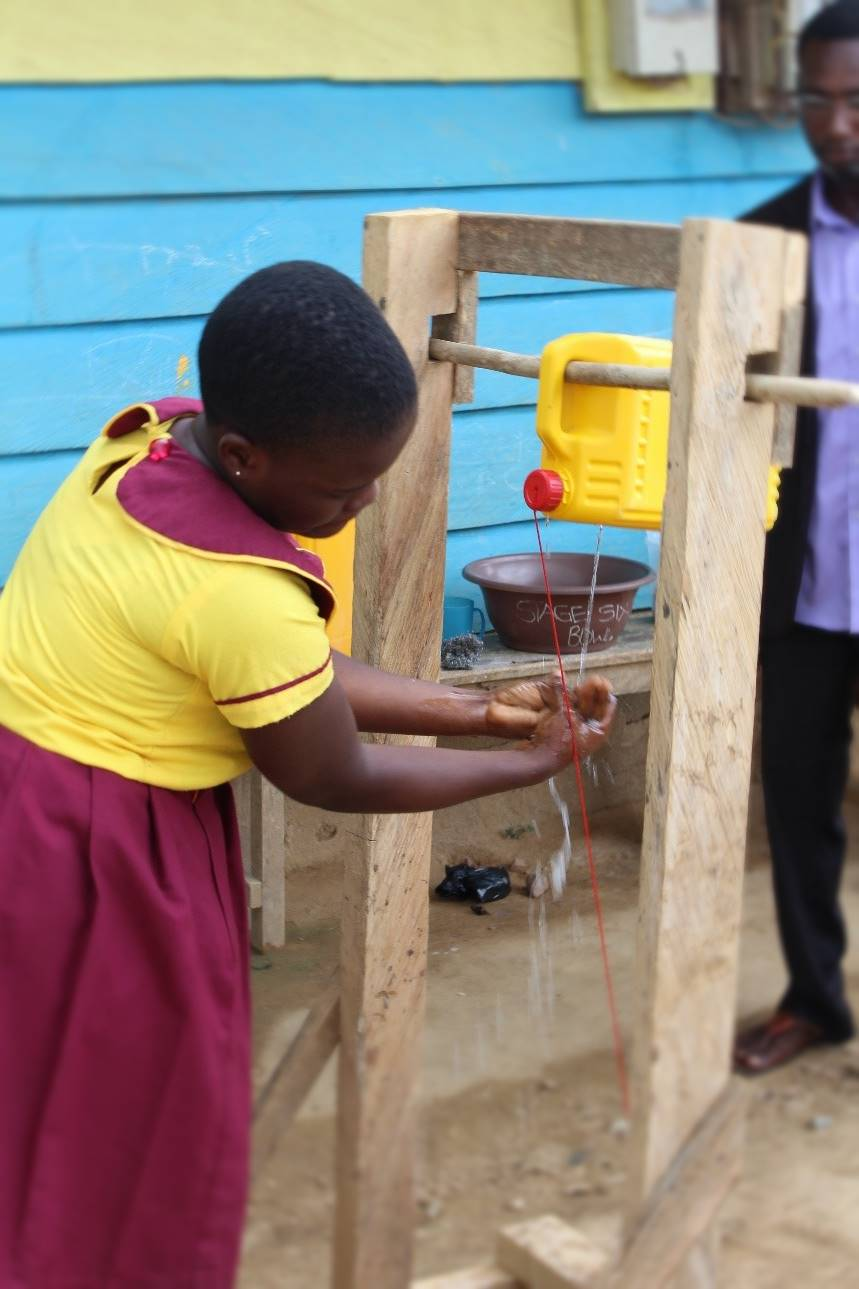 Pupil uses a tippy-tap in Asikuma Bremang